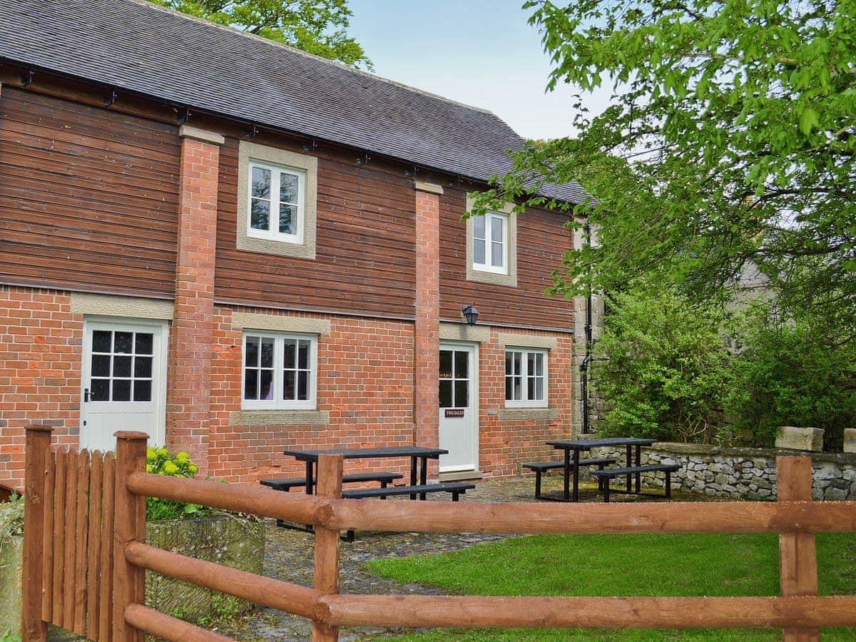 Knockerdown Cottage - Two Dales