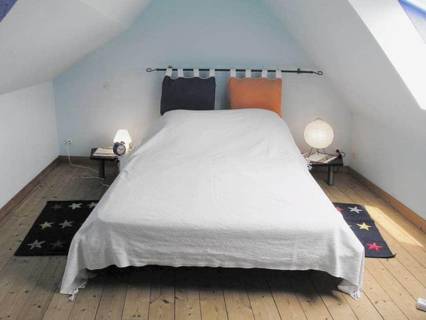 Bedroom | Ambleteuse, nr. Boulogne