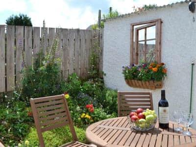Sitting-out-area | Glennydd, Bronant, near Aberystwyth