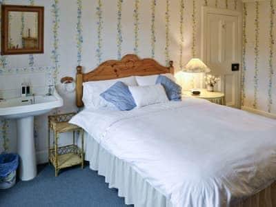 Double bedroom   Sunnyside, Kirkmichael, nr. Pitlochry