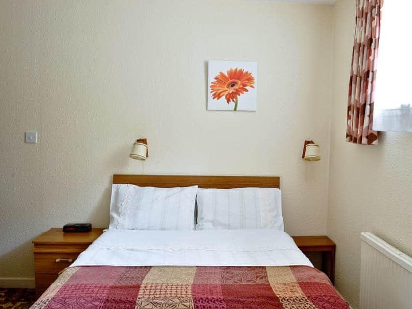 Double bedroom   Manor Park - Glenfiddich, Skelmorlie, by Largs