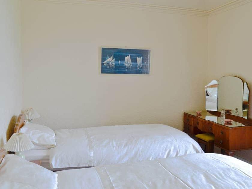 Twin bedroom | Manor Park - Ardmore, Skelmorlie, by Largs