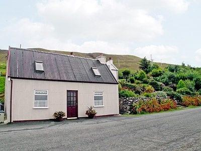 Isle of Skye Holiday Cottage Sea Views