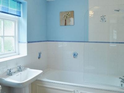 Bathroom | No. 7 Bennett, Claxton Grange Cottages near York