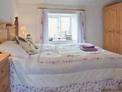 Double bedroom | Fargen Wen, Glanrafon, Llangoed near Beaumaris