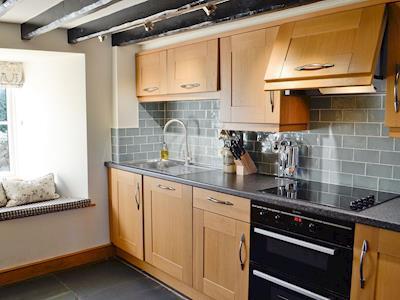 Well presented kitchen | Gwytheryn, Dyffryn Ardudwy, near Harlech