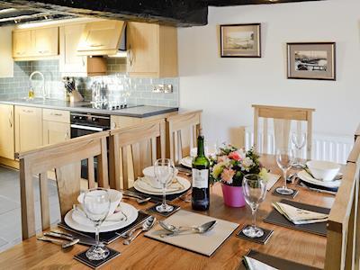 Ideal dining area | Gwytheryn, Dyffryn Ardudwy, near Harlech