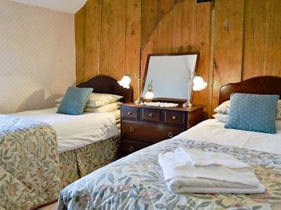 Twin bedroom | Gwytheryn, Dyffryn Ardudwy, near Harlech