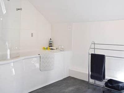 Bathroom | Siabod, Llanddoged, Llanrwst