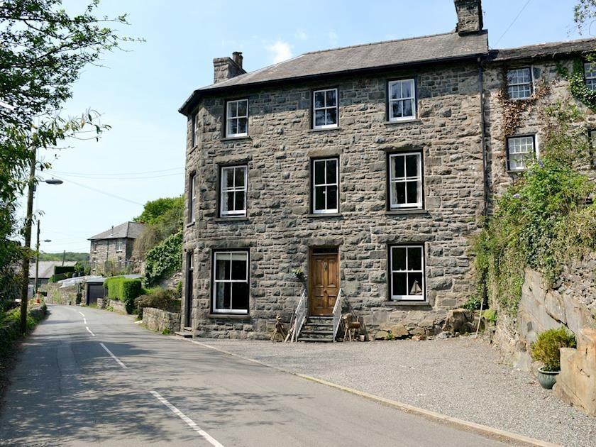 Gwynfryn House