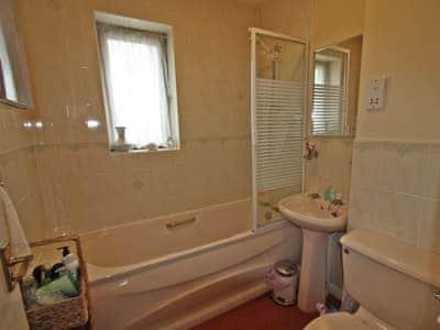 Bathroom | Swn Y Mor, Conwy