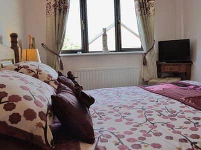 Double bedroom | Swn Y Mor, Conwy