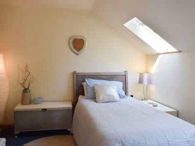 Peaceful single bedded room | Tŷ Pêl Droed (Football House) - Pentre Bach, Blaenpennal, Aberystwyth