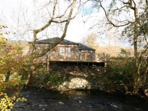 Lochside Cottage No 2