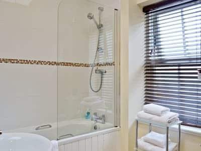 En-suite | Auchendennan - Ivy Cottage, Arden, Alexandria