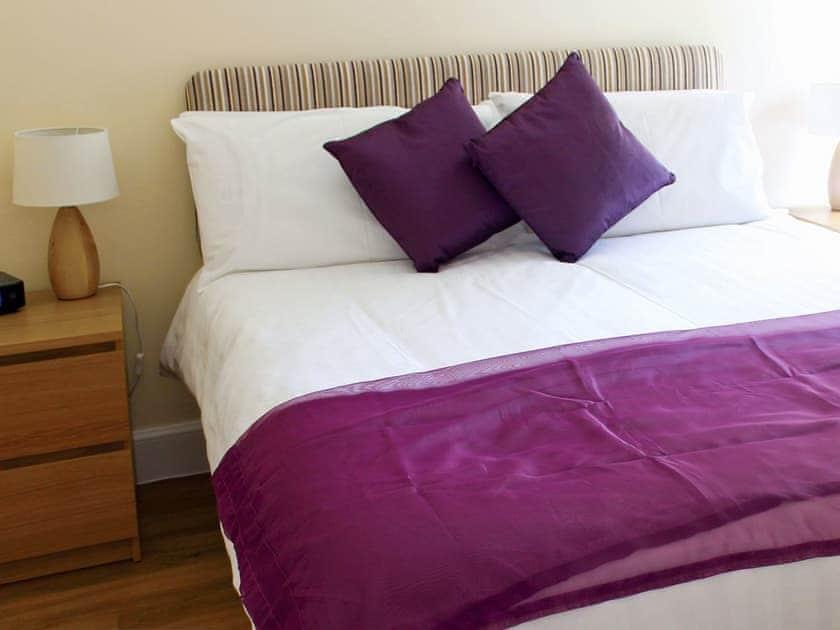 Double bedroom | Auchendennan - Primrose Cottage, Arden, Alexandria