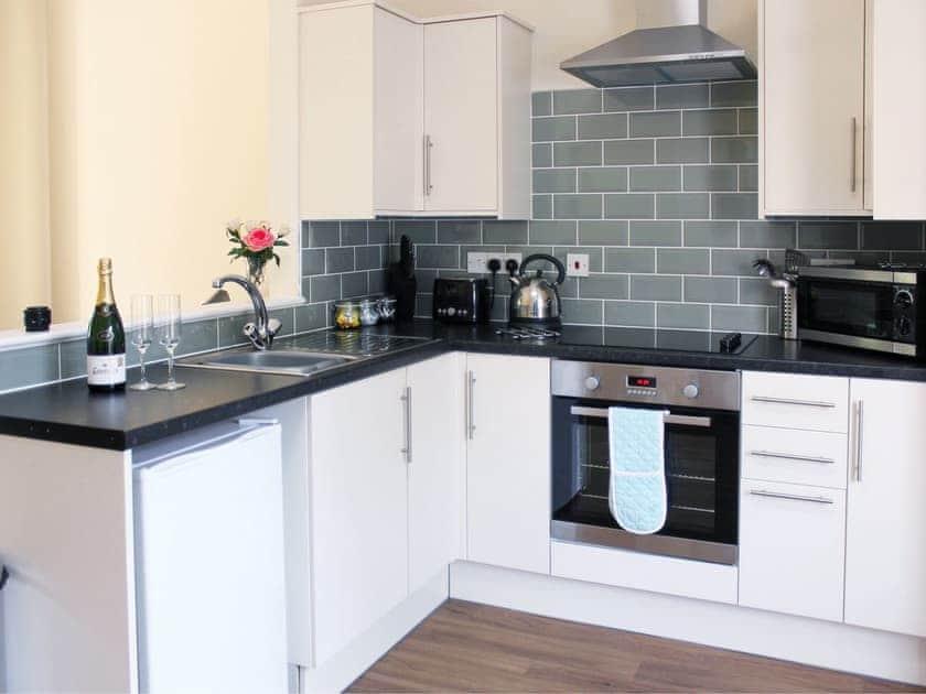 Open plan living/dining room/kitchen | Auchendennan - Ivy Cottage, Arden, Alexandria