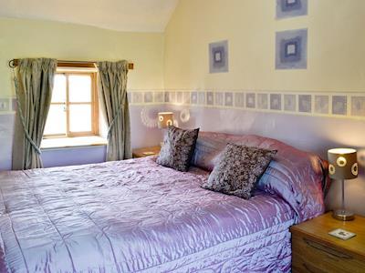 Comfortable double bedroom | Bellypig Cottage, Bellerby near Leyburn