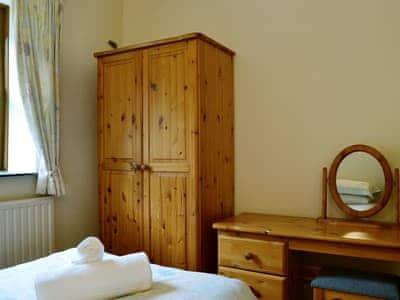 Cosy twin bedroom | Derwent Dale Cottage  - Doddick Farm Cottages, Threlkeld, near Keswick