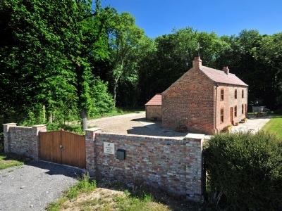 Enthorpe Wood Cottage, Nr Driffield
