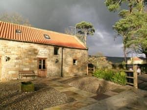 Newbiggin Hall Cottages - Granary Cottage