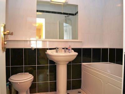 Bathroom | 1 Harney Peak - Harney Peak, Portinscale