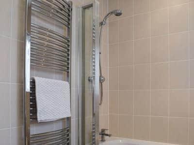 Shower | Knott Aller (Luxury), Threlkeld