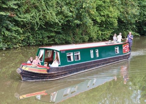 Canal Narrowboats sleeping 7-8 persons