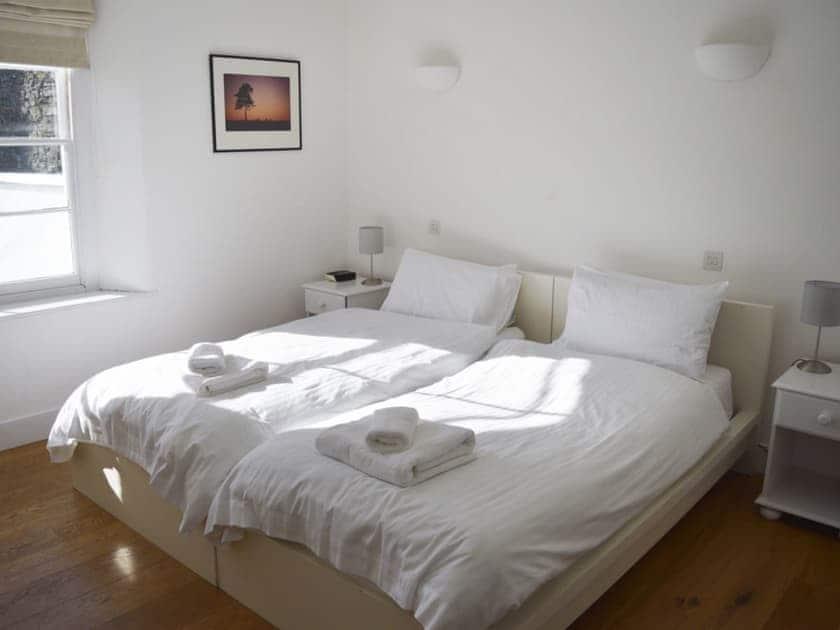 Twin bedroom | Devon Road 44, Salcombe