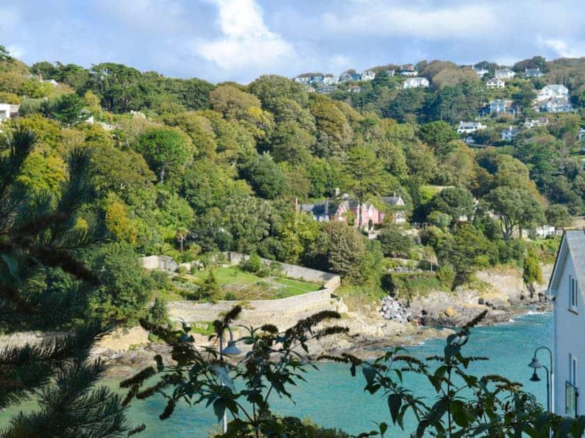 Wonderful coastline views | Estuary House, Flat 3, Salcombe