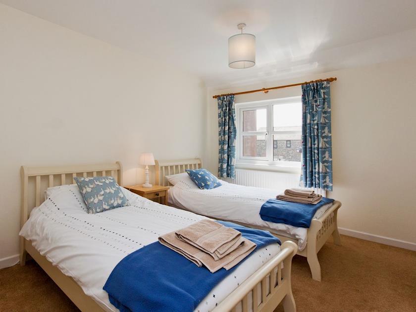 Twin bedroom | Rosemount Court 10, Salcombe