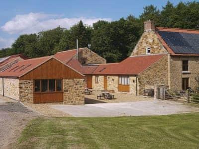 Exterior | Water Hall Farm Cottages - Little Byre, Sutton-under-Whitestonecliffe, nr. Thirsk