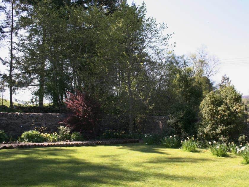 Garden   Brewlands Estate - Claypotts, Glenisla, Blairgowrie