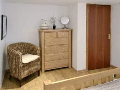 Double bedroom   Cobble Cottage, Cramond Village, Edinburgh
