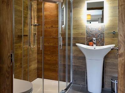 Shower room | Glan-y-Gors, Beddgelert