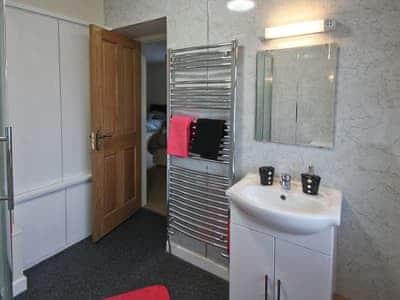 Shower room | Cob Cottage, Llanddewi Brefi