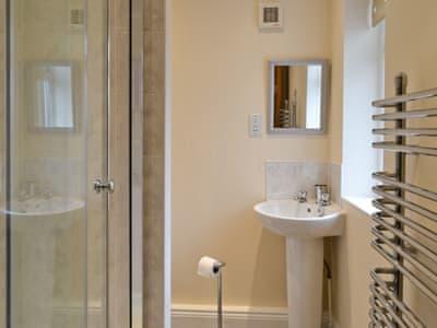 Bathroom | Brenham Cottage, Bremhill, nr. Calne