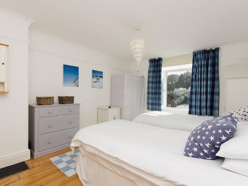 Twin bedroom | Cotillion, Salcombe