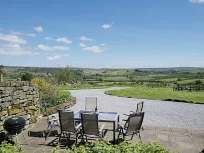 Sitting-out-area | Forest Lodge Farm - North Range, Castleton