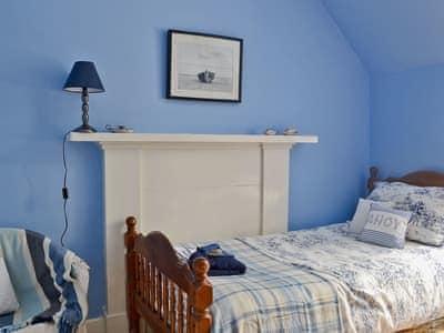Double bedroom   Queensgate, Tarbert