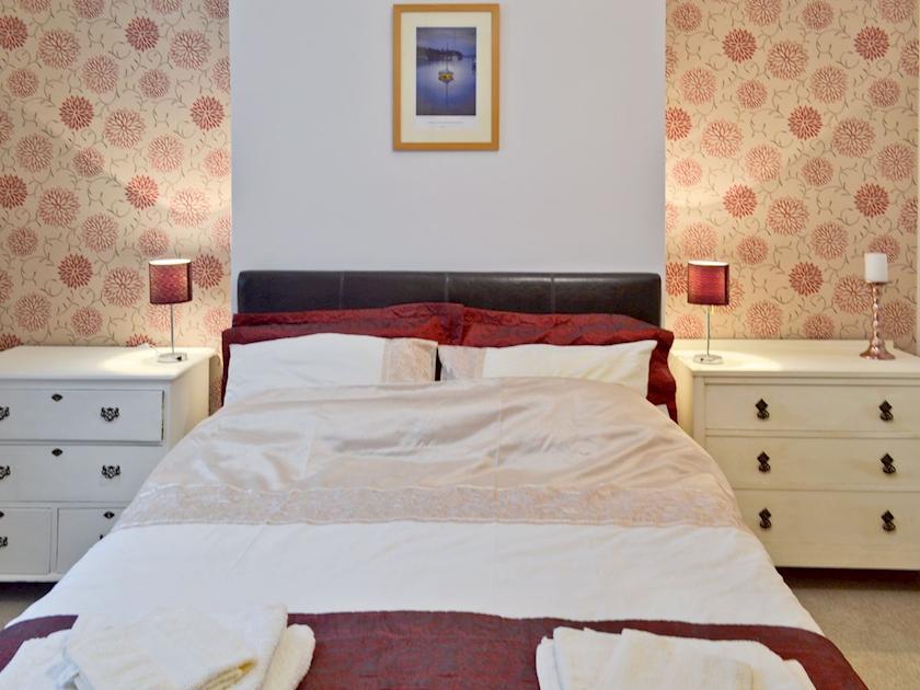 Relaxing master bedroom | Bodwen Corner Cottage, Wootton Bridge