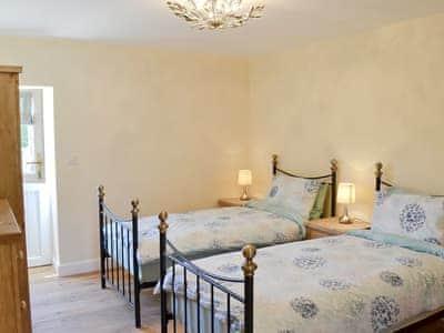 Twin bedroom | Valley View Barns - Lower Barn, Abbey-Cwm-Hir, nr. Llandrindod Wells