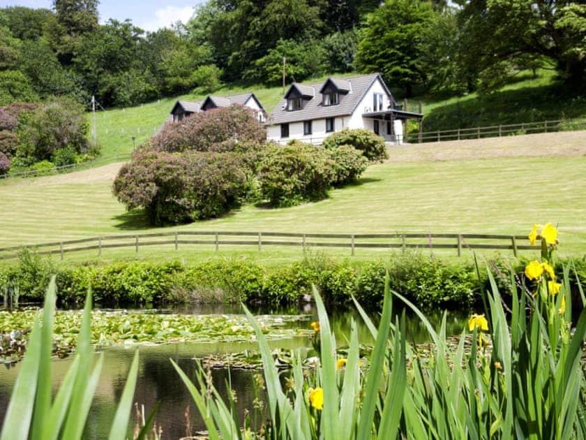 Exterior | Rosecraddoc Manor - Lake View Villas, Liskeard