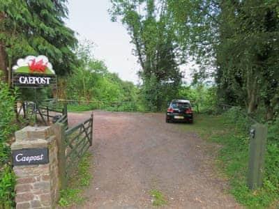 Garden and grounds | Caepost, Talgarth, nr. Brecon