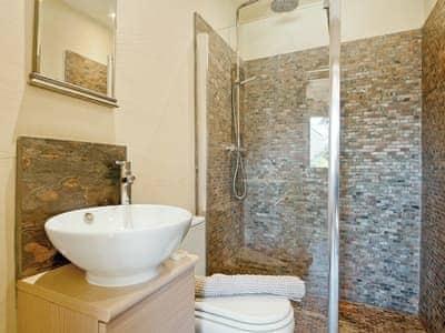 Bathroom | Golwg y Mynydd, Crynant, nr. Neath