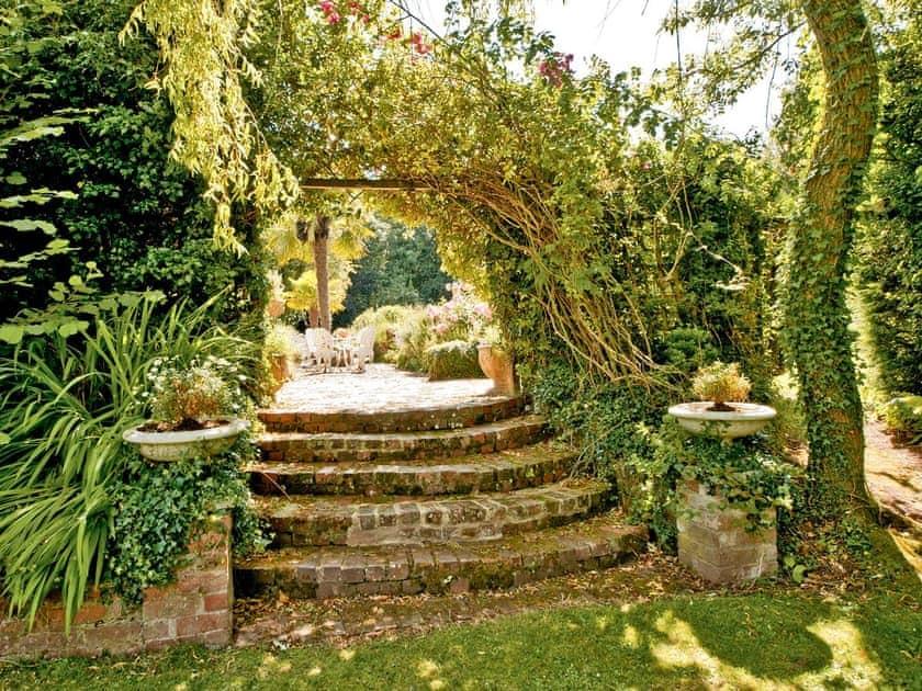 Garden | Bellevue, Harewood End