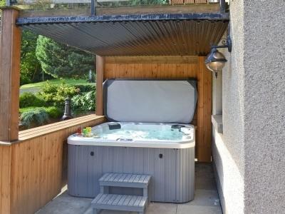 Hot tub | Balwearie Mill - Balwearie Mill, Kinghorn, nr. Kirkcaldy