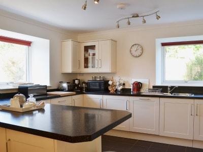 Open plan living/dining room/kitchen | Redburn Steading, Belivat, Nairn