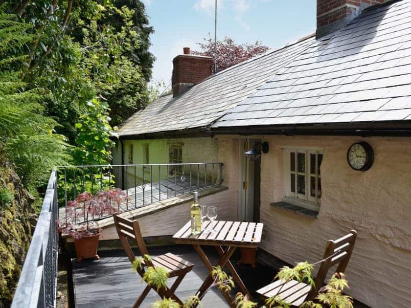 Sitting-out-area | Norfolk House, Dulverton