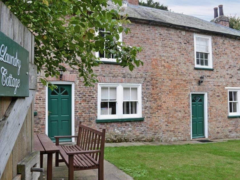 Thorpe Hall Cottages - Laundry Cottage